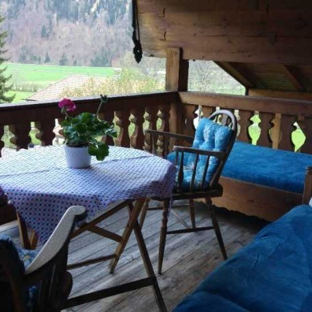 Überdachter Balkon, © im-web.de/ Tourist-Information Bayrischzell