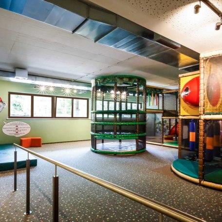 Kids Club mit Softplayanlage und Kletterwand, © im-web.de/ Alpenregion Tegernsee Schliersee Kommunalunternehmen