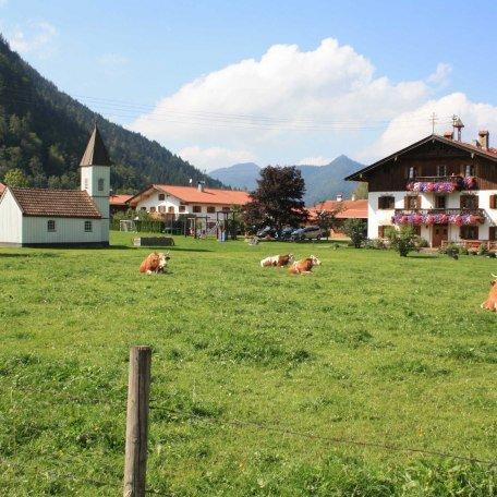 Blick auf den Hof, © im-web.de/ Tourist-Information Bayrischzell